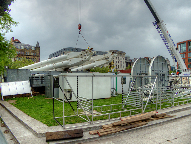 Dismantling and Removing the Manchester Wheel from Piccadilly Gardens