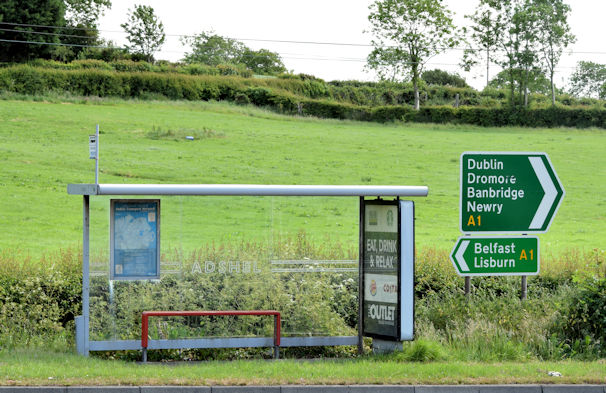 Bus shelter, Hillsborough/Dromore (June 2015)