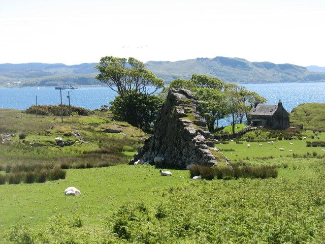 Basalt pinnacle at Ardmore, Kerrera
