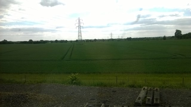 Pylon line south of Leighton Buzzard