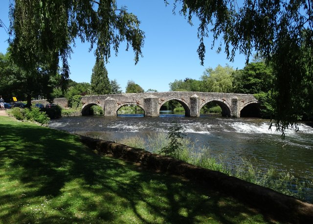 A view of Bickleigh Bridge