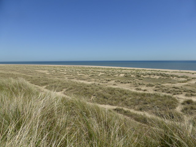 Winterton dunes and beach, north of the café and huts