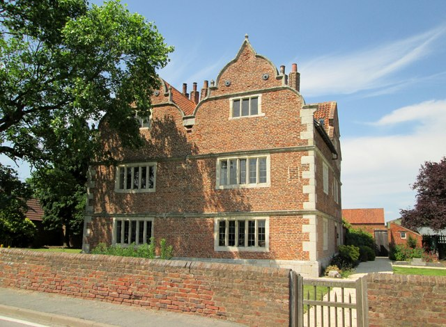 Knedlington  Old  Hall  Grade  2  listed  (2)