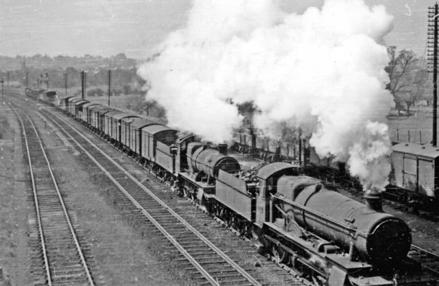 Double-headed Down freight at Banbury Junction, 1950