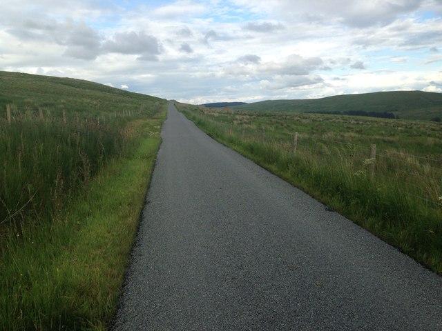 Minor road near Middlefield Farm