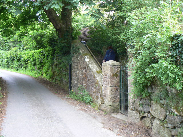 Pedestrian entrance to Langstone Manor