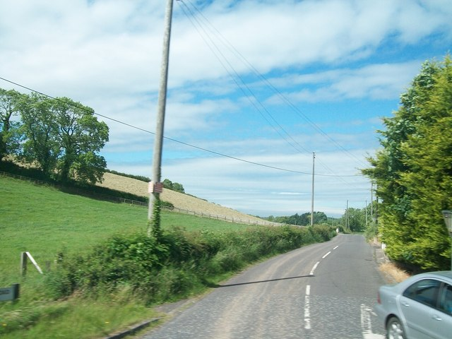 Bresagh Road running west from the A24