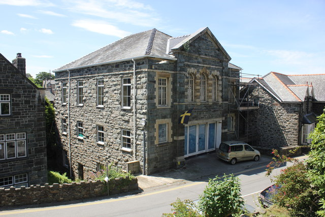 Building under renovation, Harlech