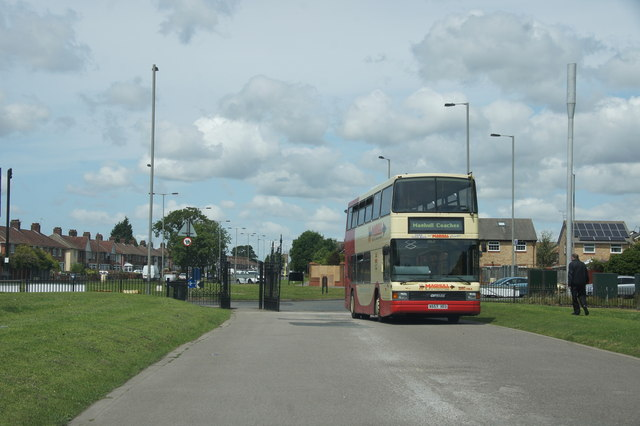 Bus entering Croxteth Country Park