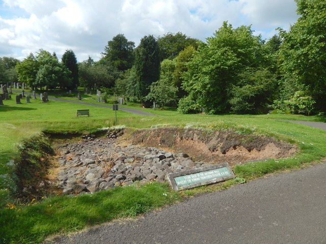 New Kilpatrick Cemetery: base of the Antonine Wall