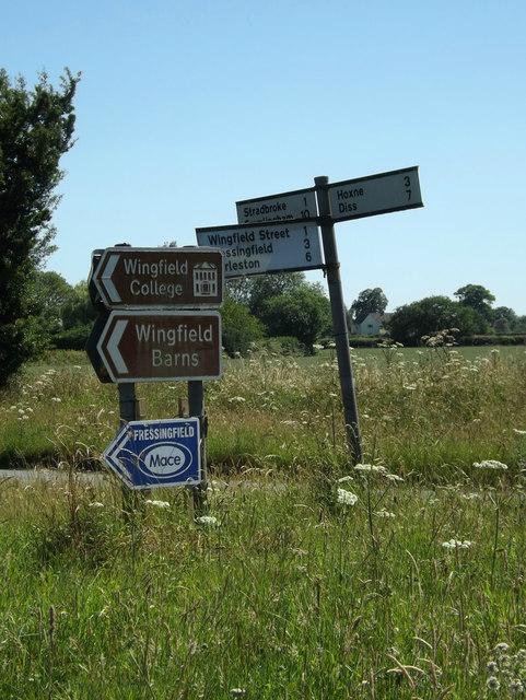 Roadsigns on Top Road