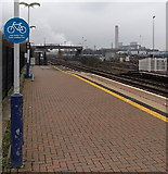 SU5290 : HST Cycle Loading Point, platform 1, Didcot Parkway railway station by Jaggery