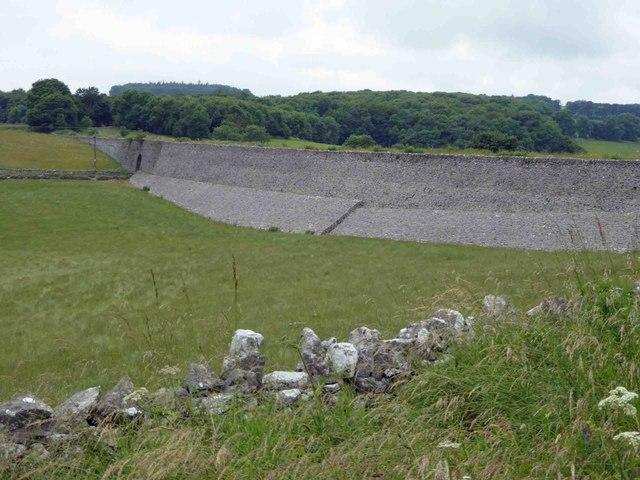 The fantastic stone embankment above Nine Miles Plantation