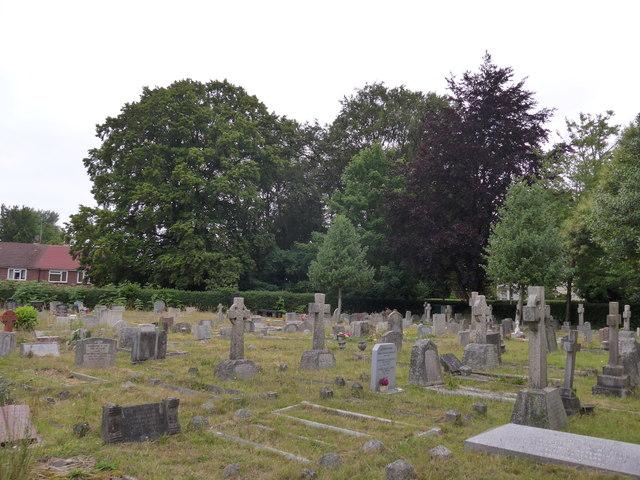 St John the Baptist, Crowthorne: churchyard (h)