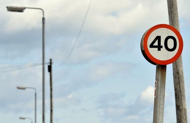 Speed limit and street lights, Donaghadee (July 2015)