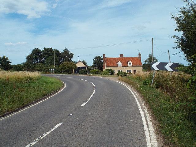 B1414 at Moze Cross, near Great Oakley