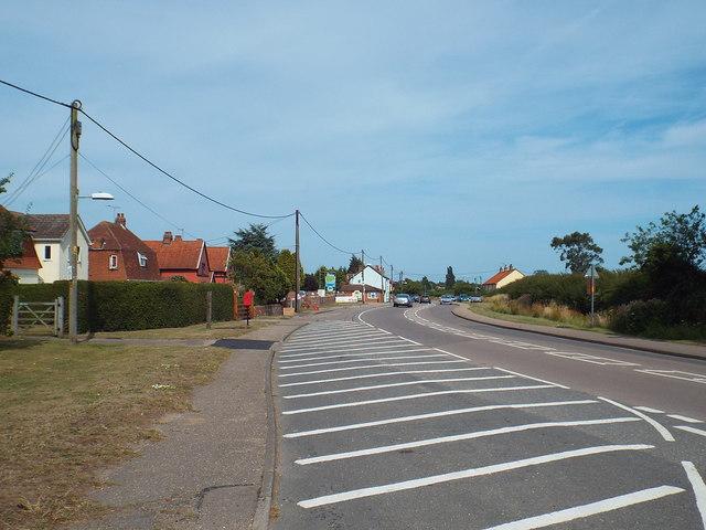 B1033 Thorpe Road at Weeley