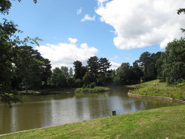 Queen's Park: lake, west end