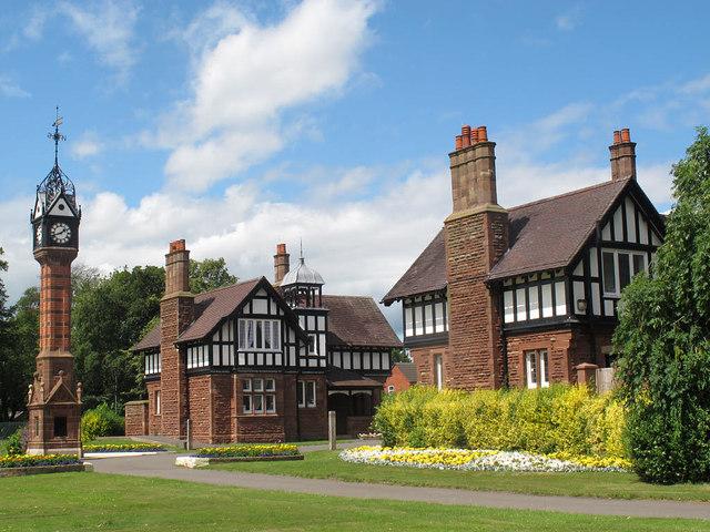 Queen's Park: north gate lodges
