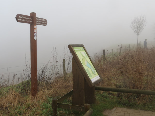 The map and signpost at the Visitor Centre, College Lake, on a foggy day