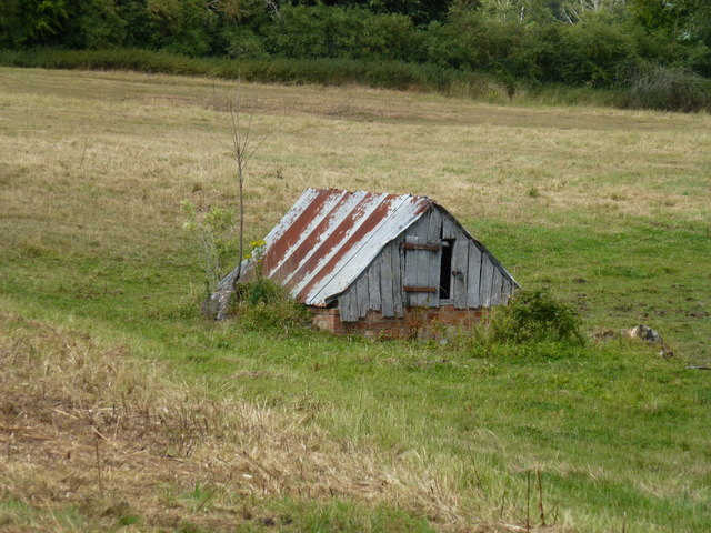 Rusty shed between King's Cliffe and Apethorpe