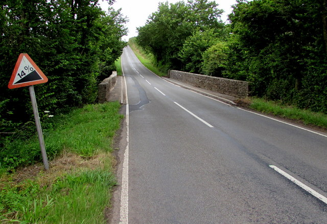 Steep gradient beyond Kingsfold Bridge south of Pembroke