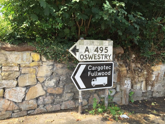 Ellesmere: pre-Worboys sign at junction of Willow Street and Brownlow Road