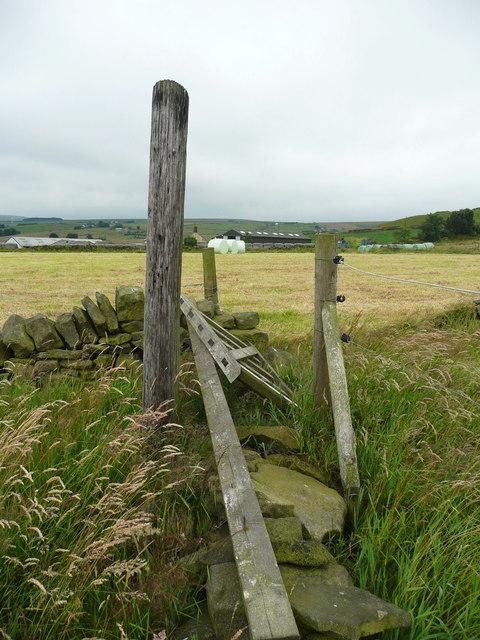 Gate on Sowerby Bridge FP115 (Link C)