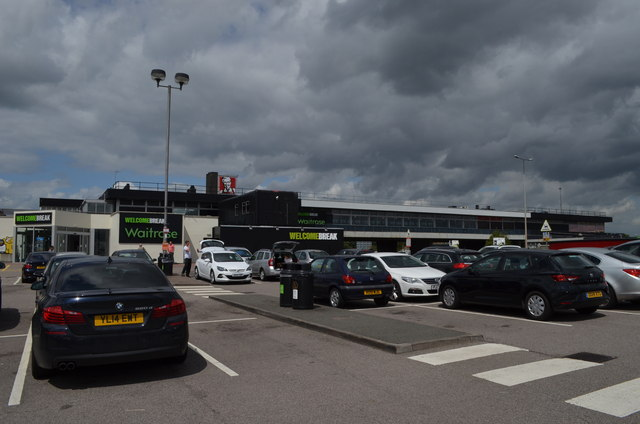 Leicester Forest East M1 services