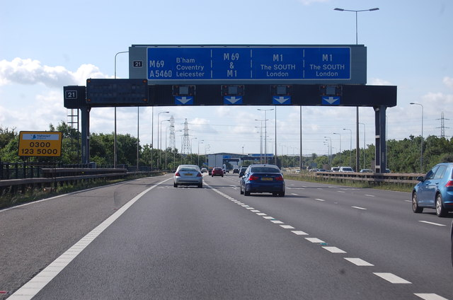 M1 approaching Junction 26