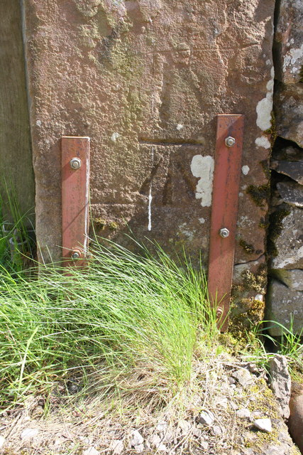 Benchmark on cattlegrid gatepost at track to Crabstack