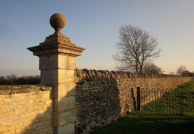 Wall, Lodge Park