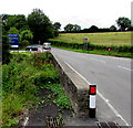 SN1014 : East side of Narberth Bridge, Narberth by Jaggery