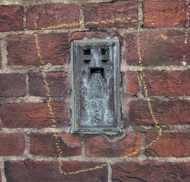 Flush Bracket, Kensington