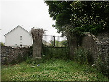 N0603 : Gate to an abandoned burial ground by Jonathan Thacker