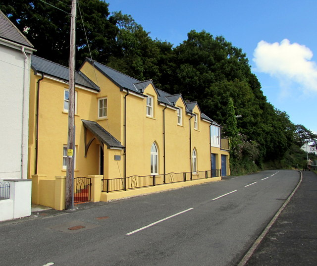 Yellow holiday cottage in Quay Road, Goodwick