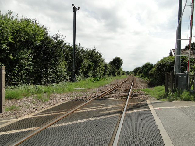 The south (Norwich) bound track at Antingham crossing