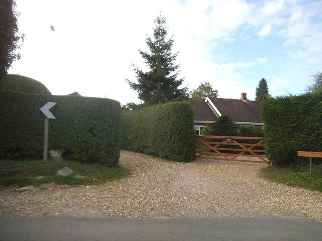 House entrances on Wood Lane, Kidmore End