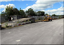 SN1916 : Ramp at the end of a siding in Whitland by Jaggery
