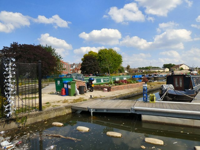 Moorings at Droylsden Marina
