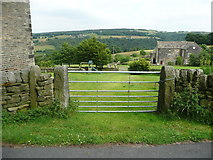SE0322 : Field gate on Sowerby Bridge FP142, Link D, at Bowood Lane by Humphrey Bolton