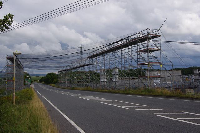 Scaffolding for grid cable changes