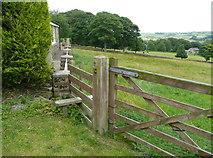 SE0322 : Stile on Sowerby Bridge FP100, Link A by Humphrey Bolton