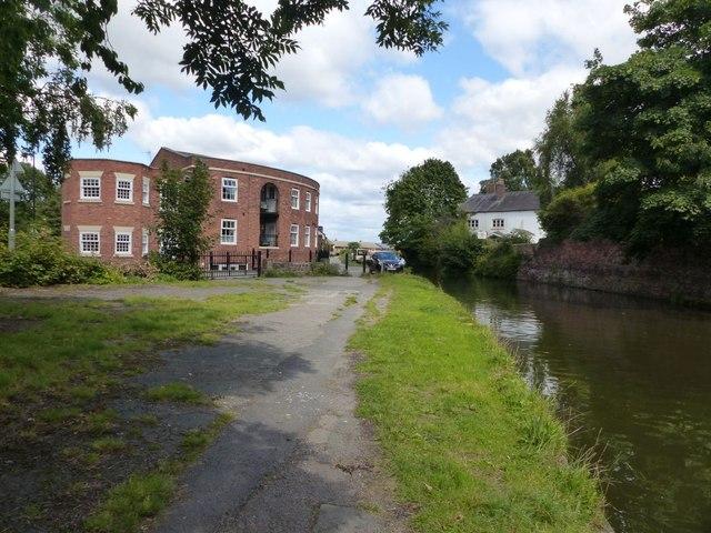 Bridgewater Canal east of Lymm Bridge