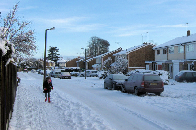 Buckingham Road, Tring in the snow