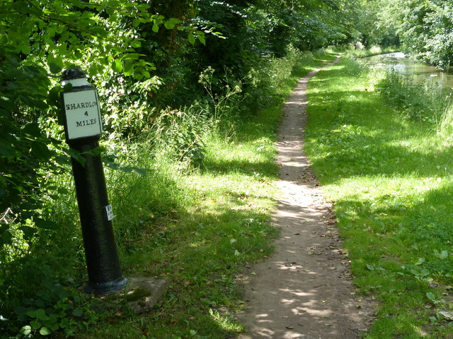 Trent & Mersey Canal Milepost at Weston Cliff