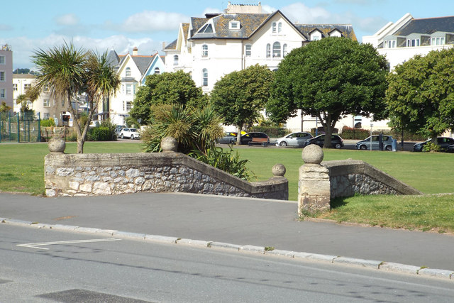 Flank walls to steps between the Den and the seafront, Teignmouth