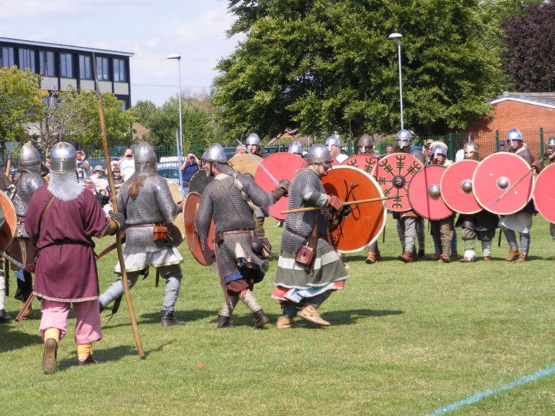 Une reconstitution d'Anglo-Saxons historiques