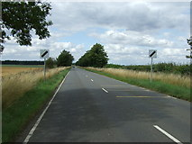 TL1646 : Heading north from Upper Caldecote by JThomas