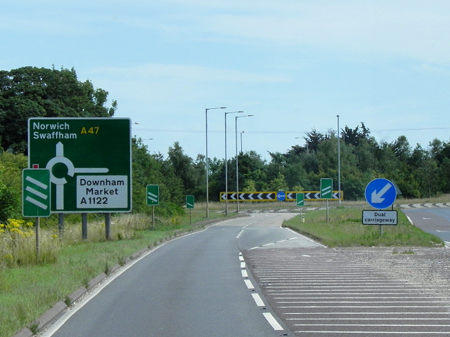 Eastbound A47 Approaching the Swaffham Bypass